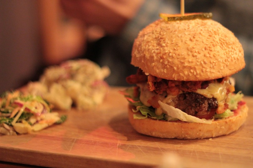 Burger with pulled pork chilli and cheese