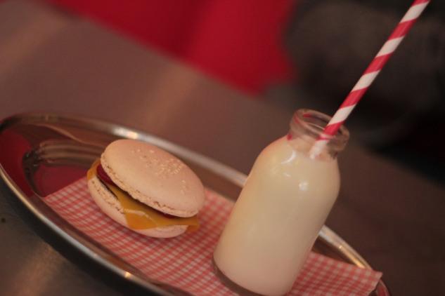 Burger & Shake Dessert